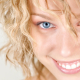 Healthy and Inexpensive Ways to Whiten Your Teeth